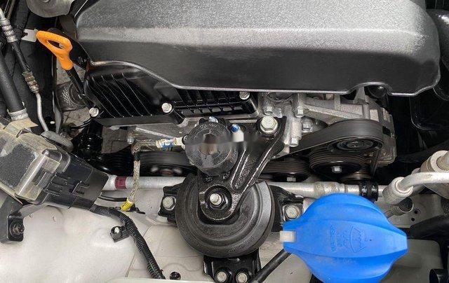 Cần bán lại xe Hyundai Santa Fe sản xuất 2014, màu trắng 9
