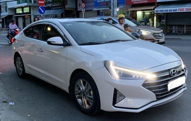 Cần bán lại xe Hyundai Elantra sản xuất 2019 còn mới, giá 600tr