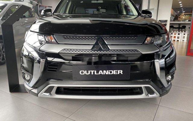 Bán xe Mitsubishi Outlander sản xuất năm 2020, màu đen, mới hoàn toàn4