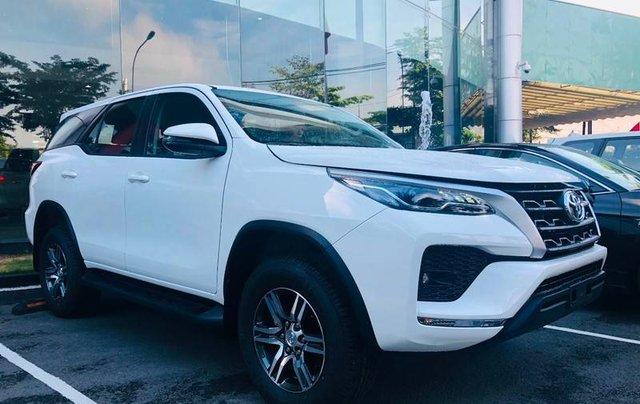 Bán ô tô Toyota Fortuner đời 2020, màu trắng0