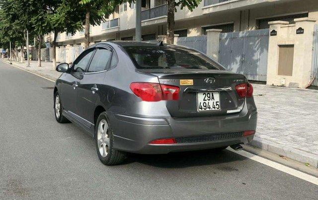 Bán Hyundai Avante sản xuất 2011, màu xám, 320tr2