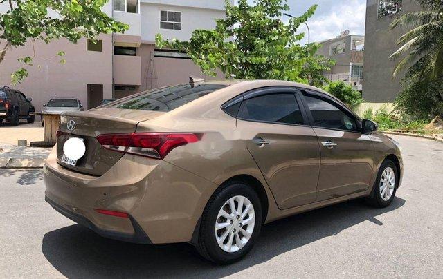 Cần bán gấp Hyundai Accent đời 2019, nhập khẩu, màu vàng cát1
