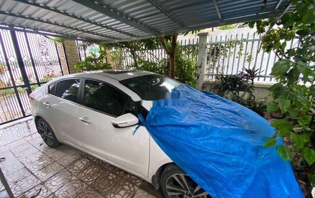 Cần bán gấp Kia Cerato 2018, màu trắng, xe nhập1