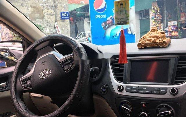 Bán xe Hyundai Accent 1.4MT đời 2018, màu đen chính chủ3