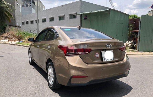 Cần bán gấp Hyundai Accent đời 2019, nhập khẩu, màu vàng cát2