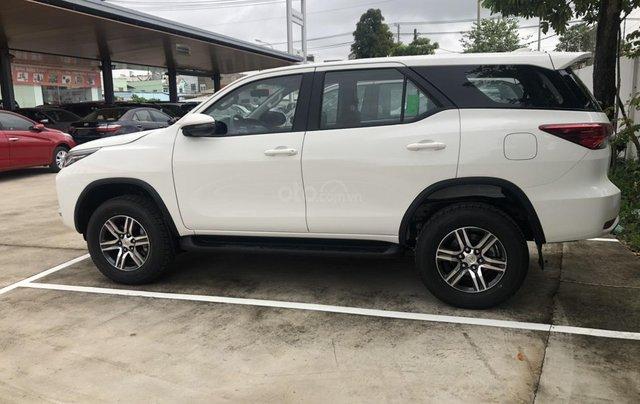 Toyota Fortuner 2.4G đời 2020 màu trắng giao ngay1