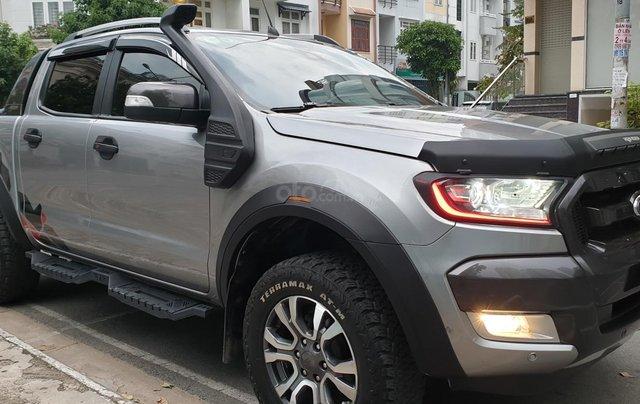 Bán Ford Ranger Wildtrak 2 cầu dầu 3.2 số tự động, đời 2017, màu xám bạc đẹp mới 80%1