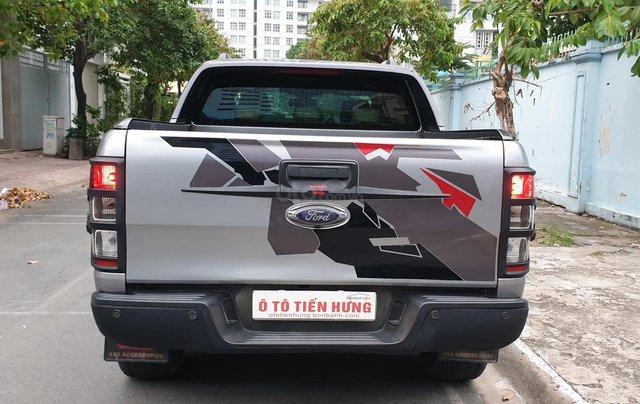Bán Ford Ranger Wildtrak 2 cầu dầu 3.2 số tự động, đời 2017, màu xám bạc đẹp mới 80%3