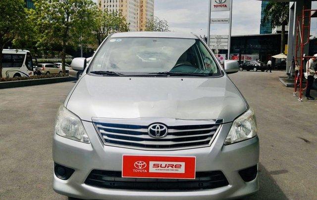 Bán Toyota Innova đời 2013, màu bạc, xe chính chủ0