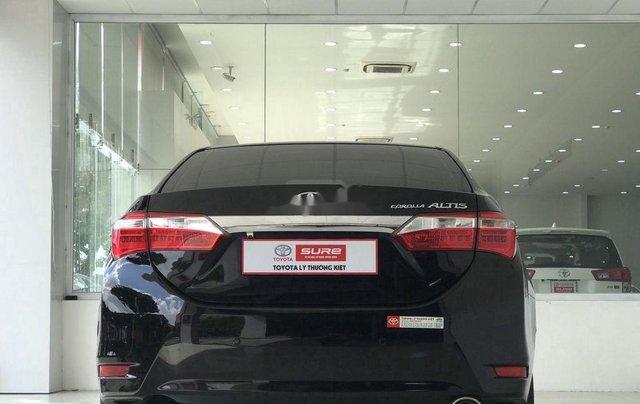Cần bán Toyota Corolla Altis sản xuất năm 2017, màu đen, giá chỉ 650 triệu5