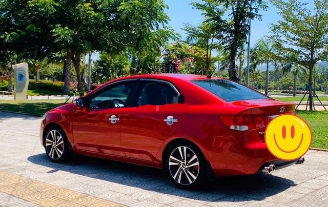 Cần bán xe Kia Cerato năm sản xuất 2010, màu đỏ, nhập khẩu nguyên chiếc 3