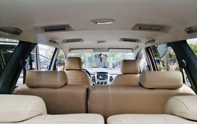 Bán Toyota Innova đời 2013, màu bạc, xe chính chủ5