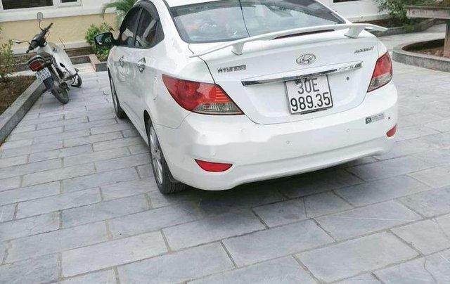 Bán Hyundai Accent sản xuất năm 2013, màu trắng, xe nhập1