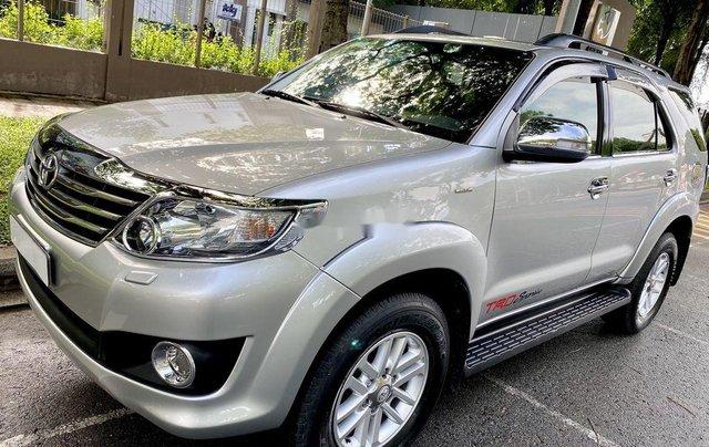 Bán Toyota Fortuner đời 2013, màu bạc, nhập khẩu11