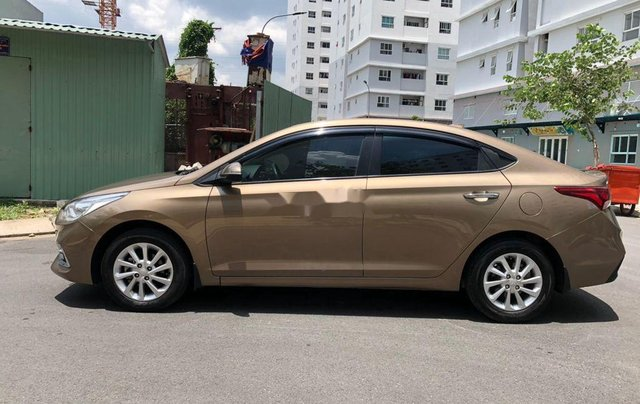 Cần bán gấp Hyundai Accent đời 2019, nhập khẩu, màu vàng cát11