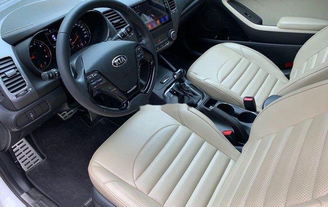 Cần bán xe Kia Cerato AT năm sản xuất 2017, xe chính chủ còn mới, động cơ ổn định8