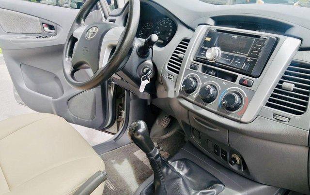 Bán Toyota Innova đời 2013, màu bạc, xe chính chủ7