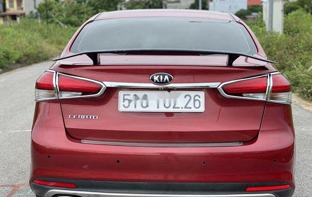 Cần bán lại xe Kia Cerato năm 2018, màu đỏ, 550 triệu1