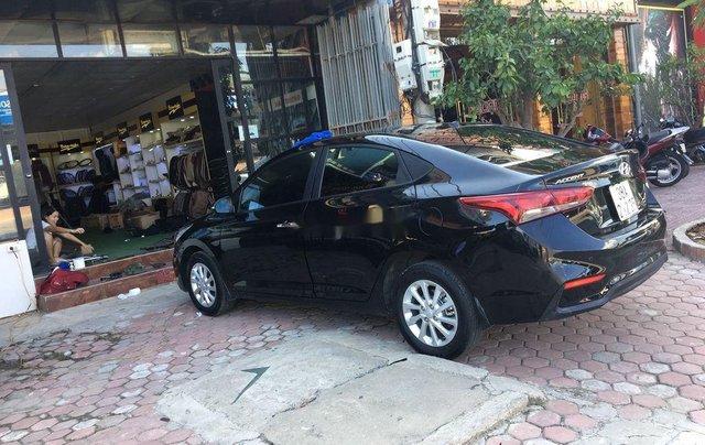 Bán xe Hyundai Accent 1.4MT đời 2018, màu đen chính chủ2