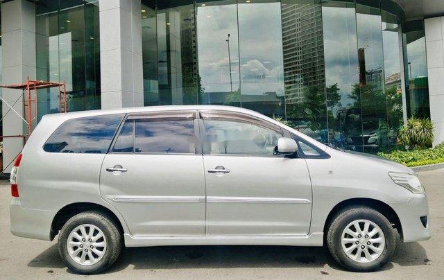 Bán Toyota Innova đời 2013, màu bạc, xe chính chủ1