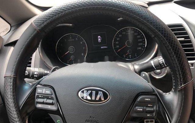 Cần bán xe Kia Cerato sản xuất 2017, xe chính chủ giá mềm, động cơ hoạt động tốt8