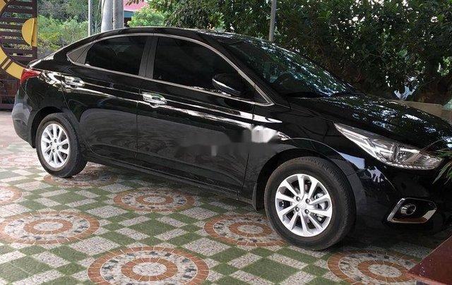 Bán xe Hyundai Accent 1.4MT đời 2018, màu đen chính chủ0