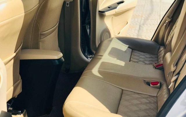 Bán Toyota Vios đời 2018, màu bạc, 410 triệu11