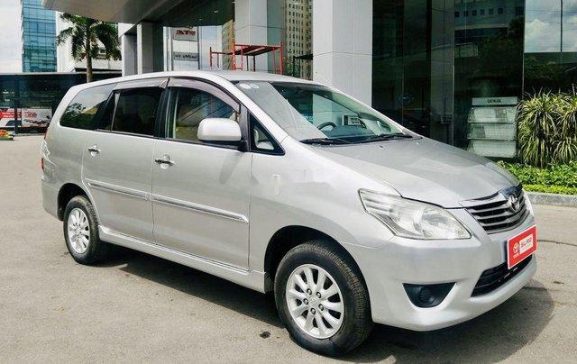 Bán Toyota Innova đời 2013, màu bạc, xe chính chủ9