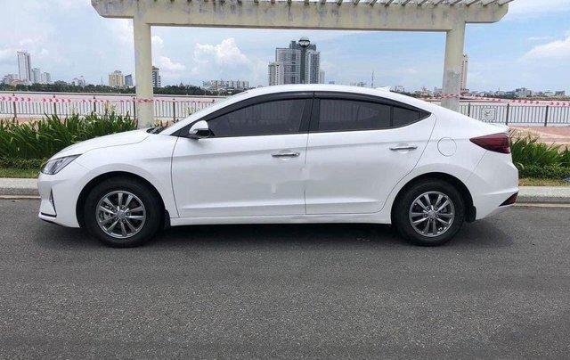 Bán Hyundai Elantra đời 2020, màu trắng chính chủ4