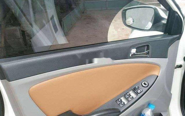 Bán Hyundai Accent sản xuất năm 2013, màu trắng, xe nhập5
