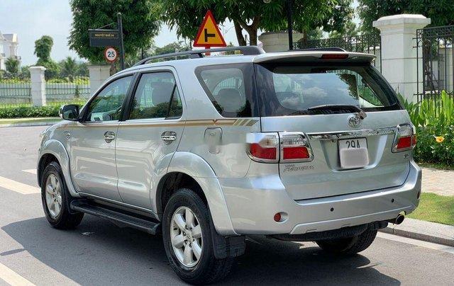 Bán ô tô Toyota Fortuner đời 2010, màu bạc 3