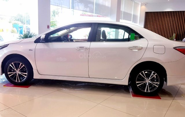 Cần bán Toyota Corolla Altis đời 2020, giá 733tr1