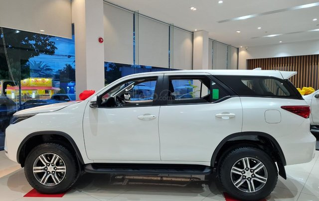 Bán Toyota Fortuner đời 2021, xe giao ngay1