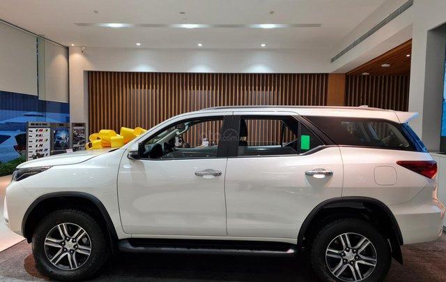 Bán ô tô Toyota Fortuner 2.4 AT đời 2021, màu trắng ngọc trai1