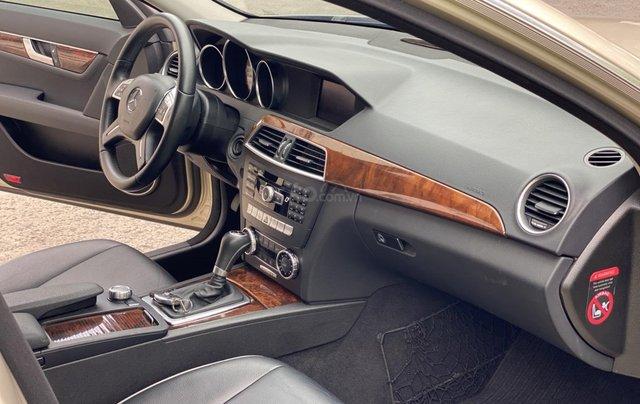 Cần bán xe Mercedes C250 đời 2013 một chủ giá 590tr8