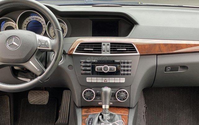 Cần bán xe Mercedes C250 đời 2013 một chủ giá 590tr7