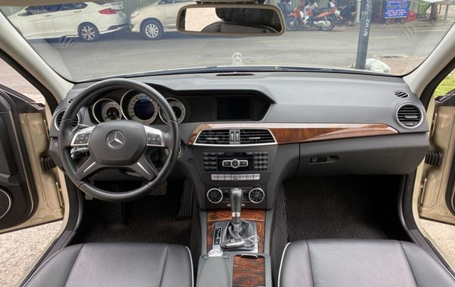 Cần bán xe Mercedes C250 đời 2013 một chủ giá 590tr11