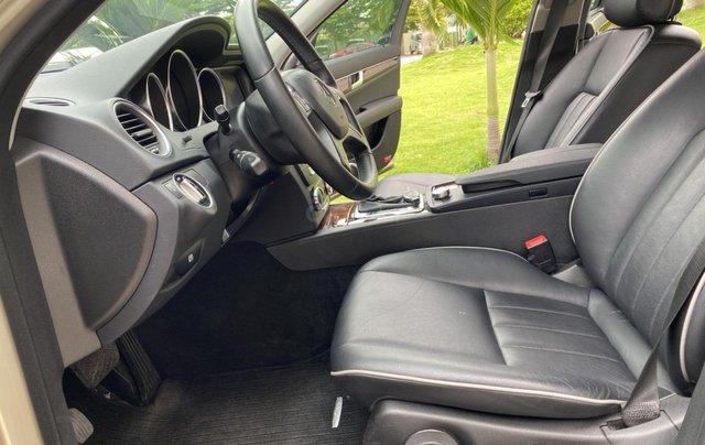 Cần bán xe Mercedes C250 đời 2013 một chủ giá 590tr12