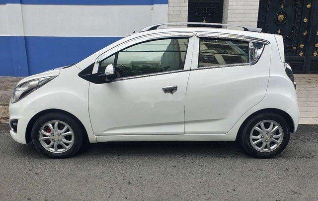 Cần bán lại xe Chevrolet Spark sản xuất 2015, màu trắng  1