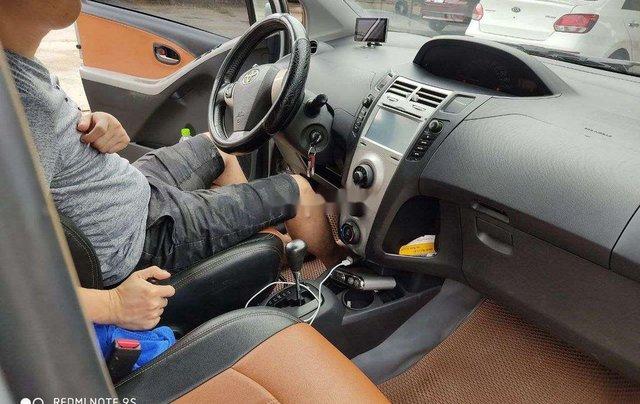 Cần bán Toyota Yaris 2010, màu bạc, xe nhập, giá chỉ 279 triệu5