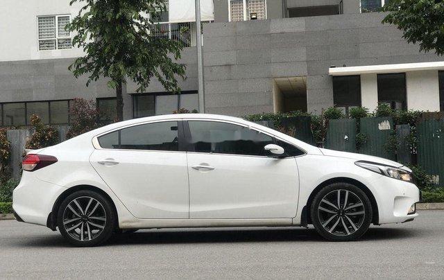 Cần bán xe Kia Cerato đời 2016, màu trắng, giá tốt4