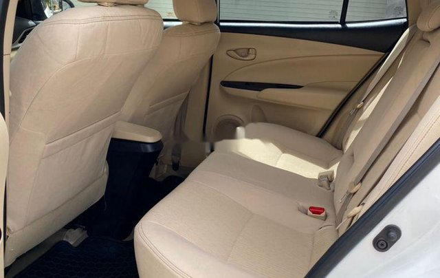 Bán Toyota Vios E sản xuất năm 2019, màu trắng  8