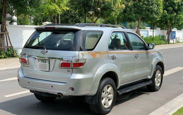 Bán ô tô Toyota Fortuner đời 2010, màu bạc 5