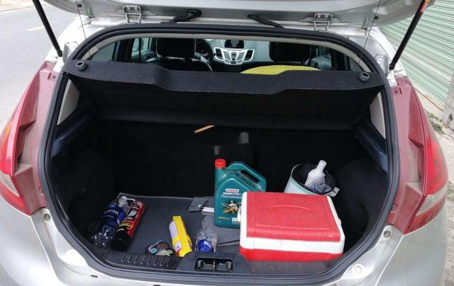 Cần bán xe Ford Fiesta số tự động năm 2012, xe chính chủ sử dụng, còn mới, động cơ ổn định3