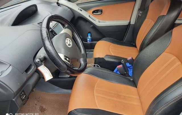 Cần bán Toyota Yaris 2010, màu bạc, xe nhập, giá chỉ 279 triệu6