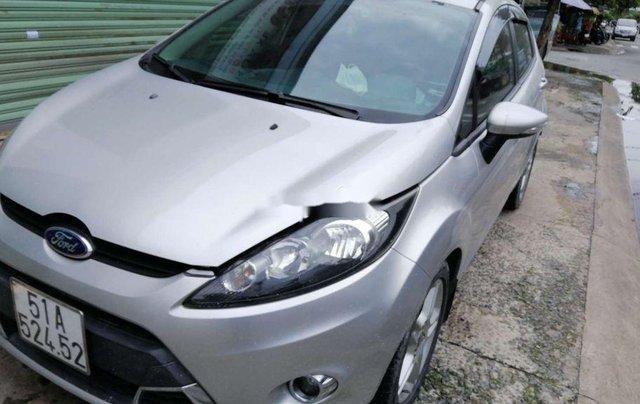 Cần bán xe Ford Fiesta số tự động năm 2012, xe chính chủ sử dụng, còn mới, động cơ ổn định8