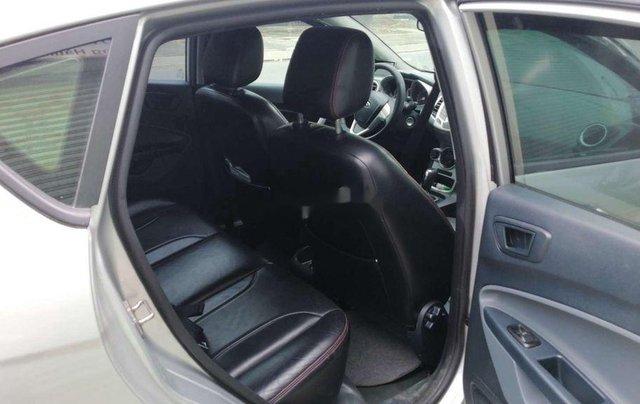 Cần bán xe Ford Fiesta số tự động năm 2012, xe chính chủ sử dụng, còn mới, động cơ ổn định5