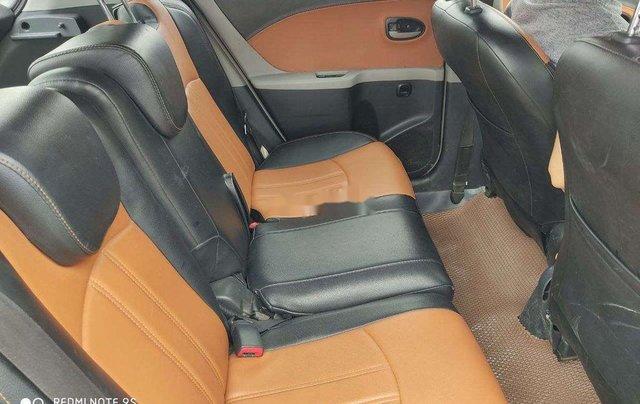 Cần bán Toyota Yaris 2010, màu bạc, xe nhập, giá chỉ 279 triệu4
