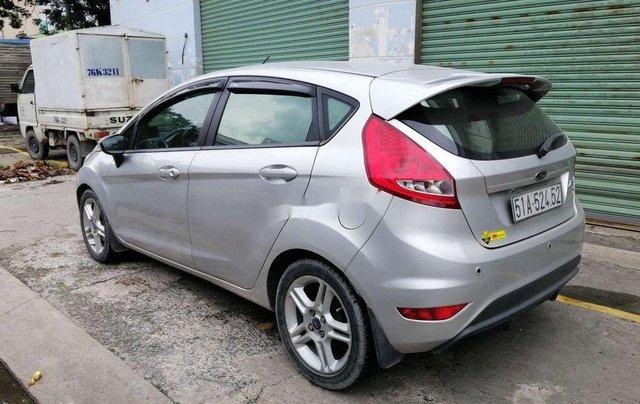 Cần bán xe Ford Fiesta số tự động năm 2012, xe chính chủ sử dụng, còn mới, động cơ ổn định1