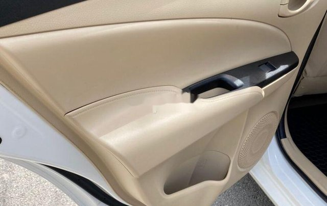 Bán Toyota Vios E sản xuất năm 2019, màu trắng  10